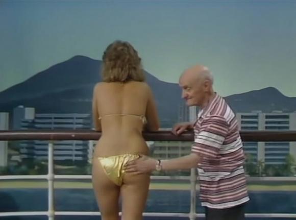 шоу бенни хилла эротические сцены пляжу хожу